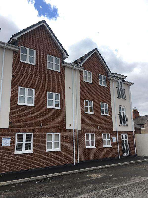 2 Bedrooms Apartment Flat for rent in 5 Machine Square, Wrexham
