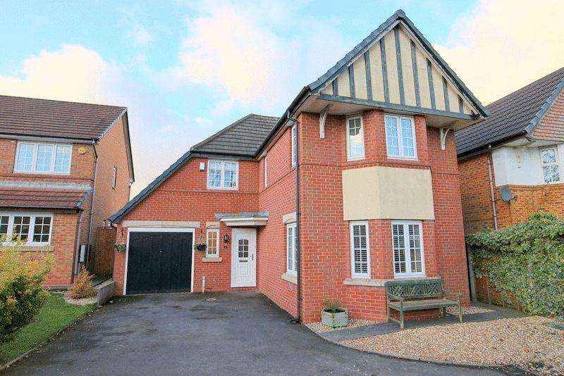 4 Bedrooms Detached House for sale in Charlestown Grove, Meir Park
