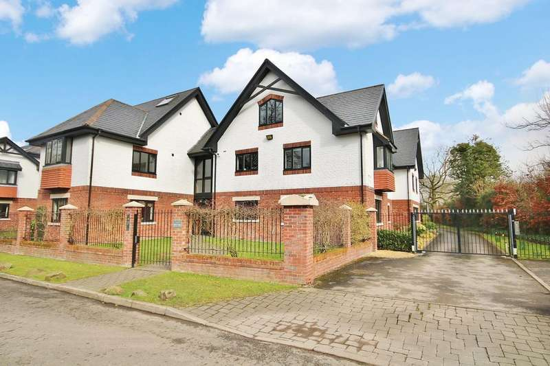 3 Bedrooms Apartment Flat for sale in Hunters Lodge, Hunters Close, Wilmslow