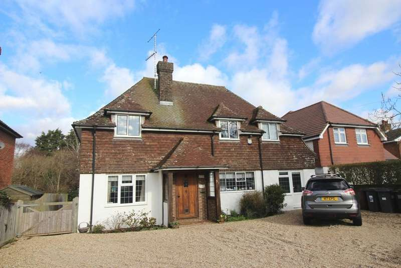 4 Bedrooms Detached House for sale in Huggetts Lane, Willingdon, Eastbourne BN22