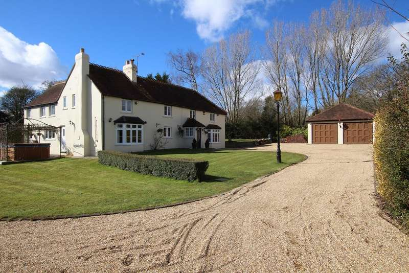 7 Bedrooms Detached House for sale in FURZELEY CORNER, DENMEAD