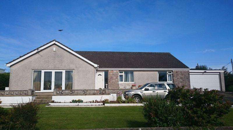 3 Bedrooms Detached Bungalow for sale in Bodffordd, Llangefni