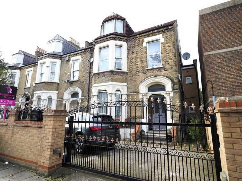 2 Bedrooms Flat for sale in Herbert Road, Shooters Hill, London, SE18