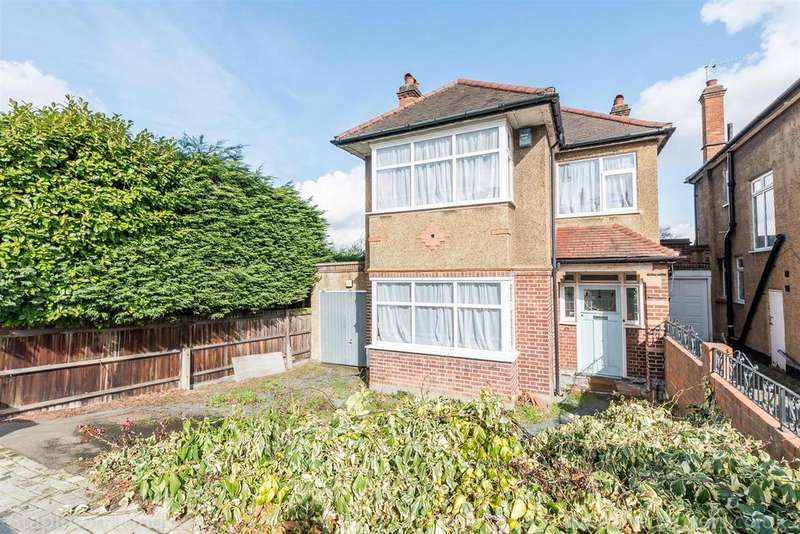3 Bedrooms Detached House for sale in Roxburgh Road, London