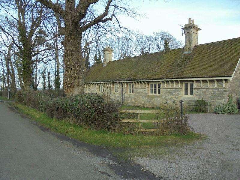 3 Bedrooms Semi Detached House for rent in Normanton