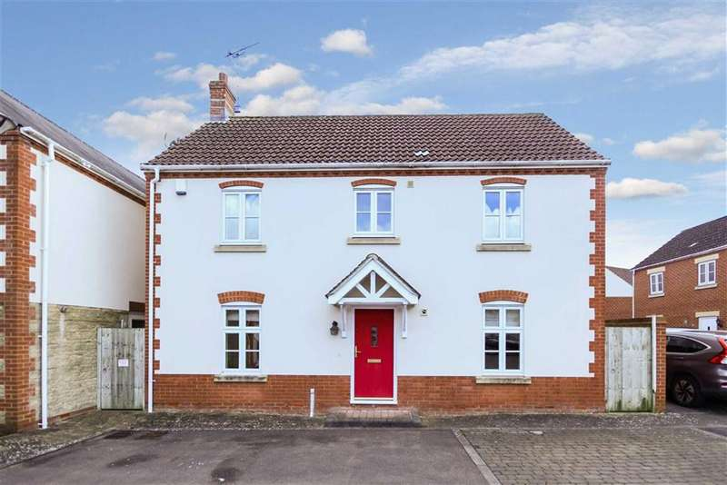4 Bedrooms Detached House for sale in Treforest Close, Swindon, Wiltshire