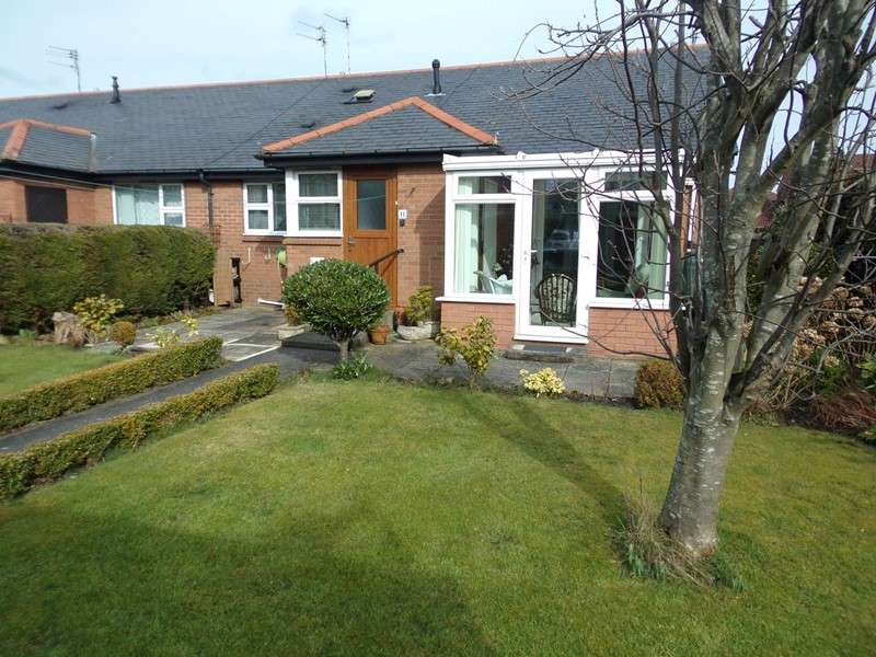 2 Bedrooms Bungalow for sale in Dr Pit Cottages, Bedlington, Northumberland, NE22 7LY
