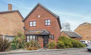 3 Bedrooms Detached House for sale in Fairfields, Gravesend, Kent, England