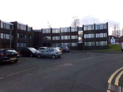 1 Bedroom Flat for sale in Parklands Gardens, Walsall, West Midlands