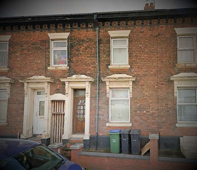 3 Bedrooms Terraced House for rent in Rood End Road, Oldbury, B68