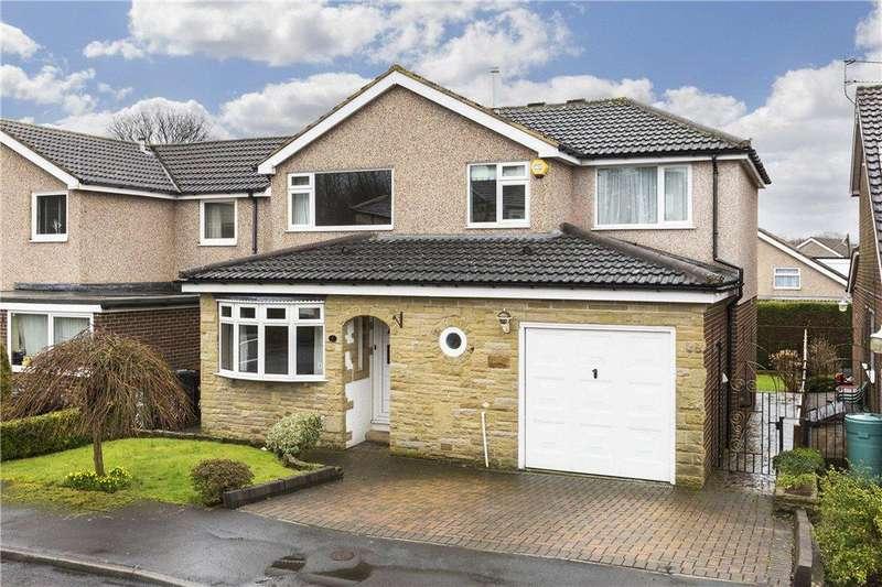 4 Bedrooms Detached House for sale in Holt Park Drive, Leeds, West Yorkshire
