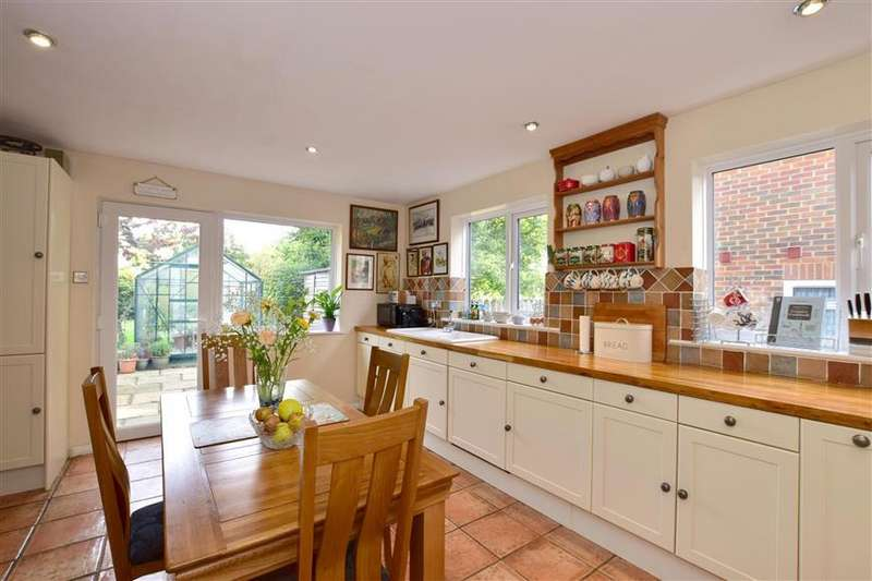 4 Bedrooms Cottage House for sale in Poundfield Road, Crowborough, East Sussex