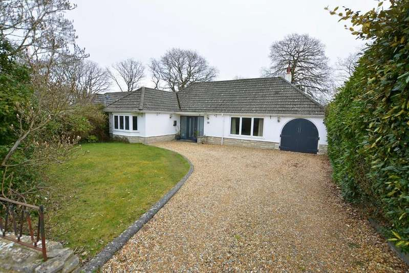 3 Bedrooms Chalet House for sale in Meadow Close, West Parley