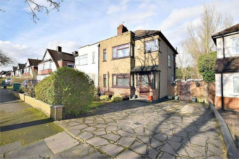 3 Bedrooms Semi Detached House for sale in Sylvia Avenue, Hatch End, Pinner, Middlesex