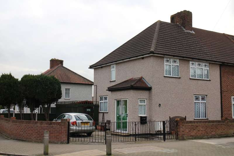 3 Bedrooms End Of Terrace House for sale in Hedgemans Road, Dagenham