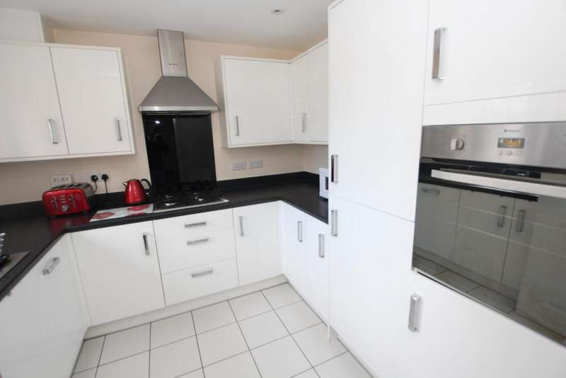 3 Bedrooms Town House for rent in Green Howards Road, Saighton, Chester