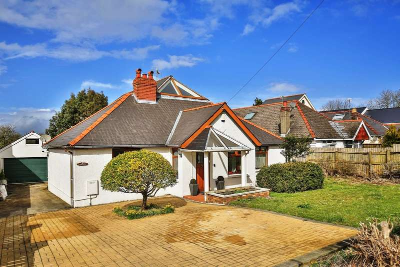 4 Bedrooms Detached Bungalow for sale in Port Road East, Barry