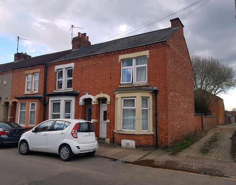 3 Bedrooms End Of Terrace House for sale in Collingwood Road, Northampton, Northamptonshire. NN1 4QZ