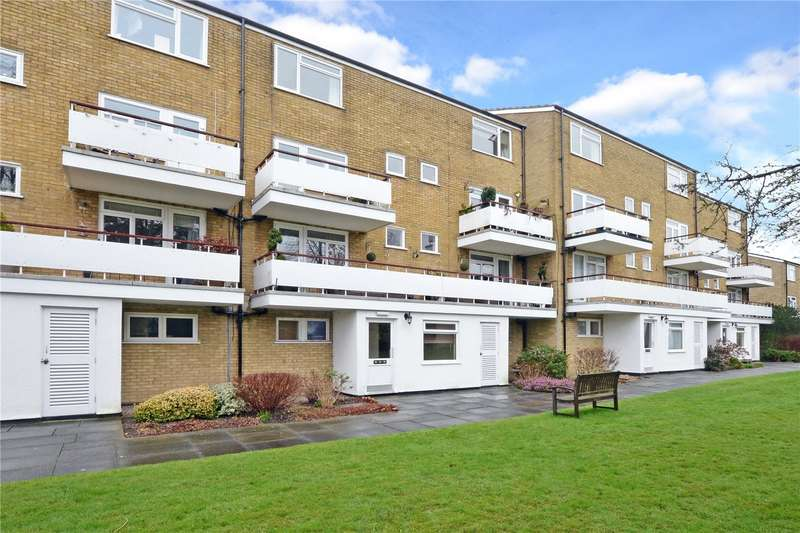 3 Bedrooms Flat for sale in Well House, Woodmansterne Lane, Banstead, Surrey, SM7