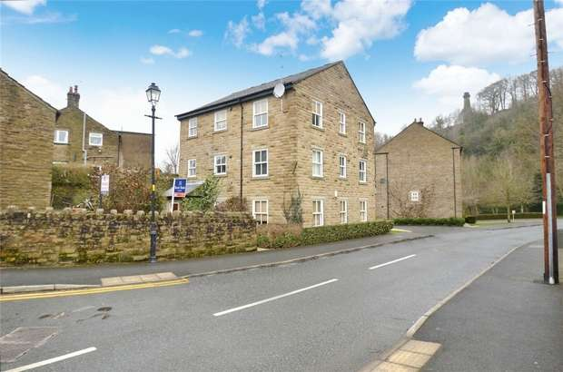 2 Bedrooms Flat for sale in Hamson Drive, Bollington, Macclesfield, Cheshire