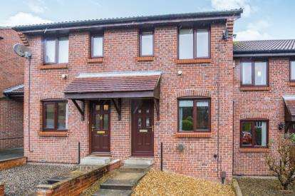 2 Bedrooms Terraced House for sale in Hartwith Drive, Harrogate, North Yorkshire