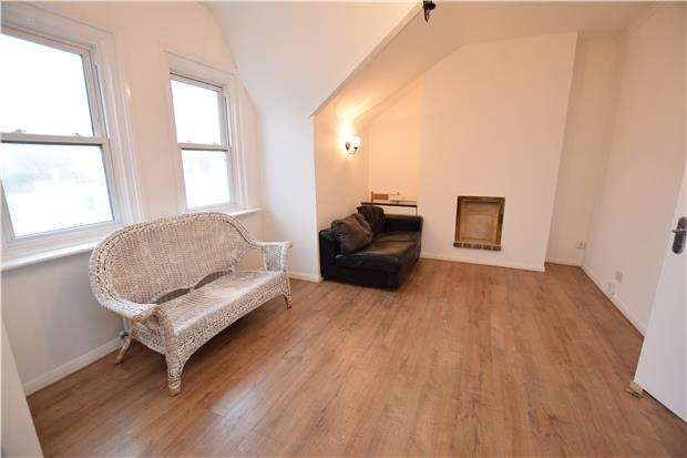 2 Bedrooms Flat for rent in Devonshire Road, BEXHILL-ON-SEA, East Sussex, TN40
