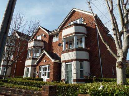 2 Bedrooms Flat for sale in 12 Florence Road, Bournemouth, Dorset