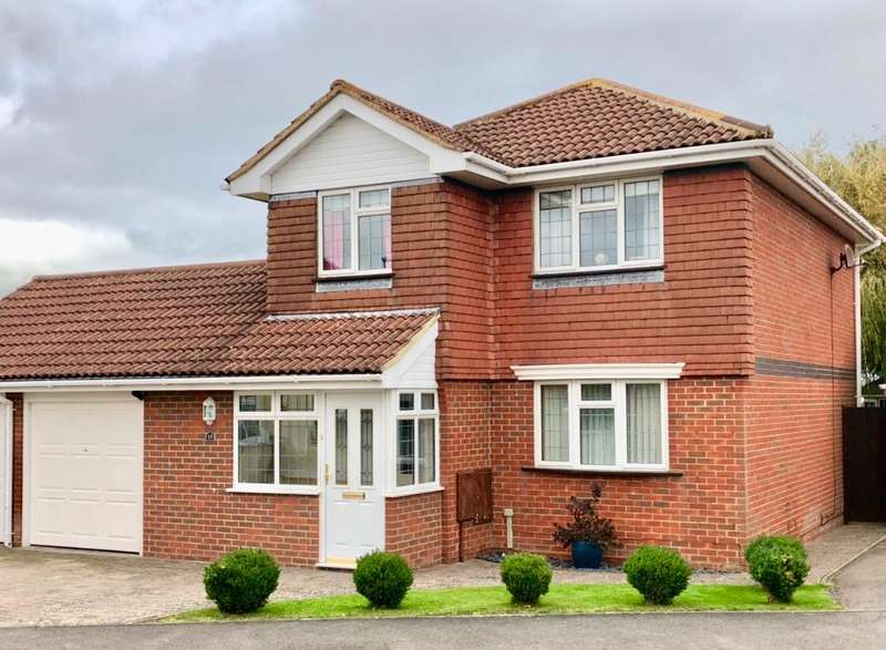 4 Bedrooms Detached House for sale in Brendon Close, EASTBOURNE