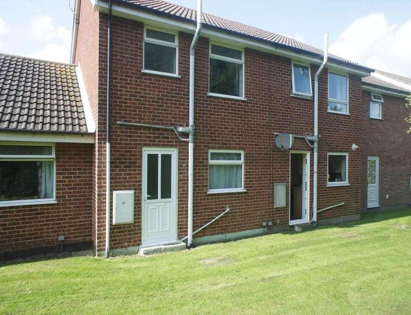 2 Bedrooms Property for rent in Kipling Close, Kessingland, Lowestoft, NR33
