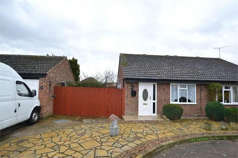 2 Bedrooms Semi Detached Bungalow for sale in Dixon Avenue, CLACTON-ON-SEA, Essex