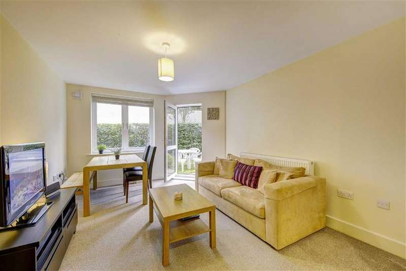 3 Bedrooms Apartment Flat for sale in Malvern Road, Queens Park, London, NW6