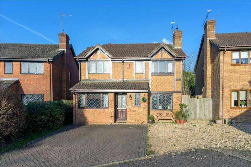 4 Bedrooms Detached House for sale in Downs View, Holybourne, Alton, Hampshire