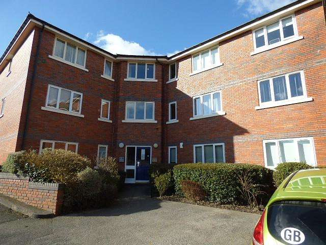 2 Bedrooms Flat for sale in High Gates Lodge, High Gates Close, Warrington