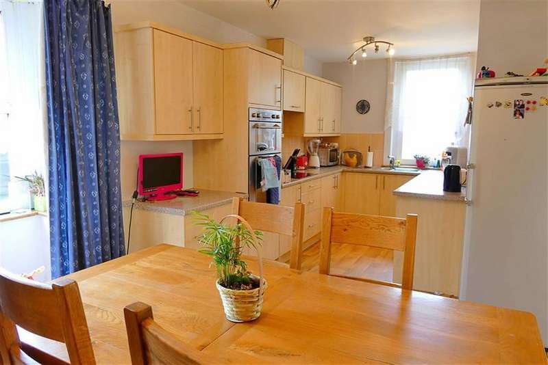 3 Bedrooms Detached Bungalow for sale in Quemerford, Calne, Calne
