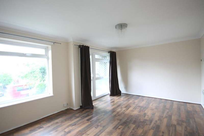 2 Bedrooms Apartment Flat for rent in Willow Court Willow Road Wallington SM6 0PF
