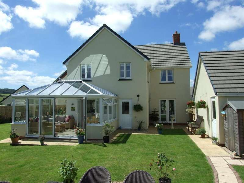 4 Bedrooms Detached House for sale in Loring Fields, Landkey, Barnstaple