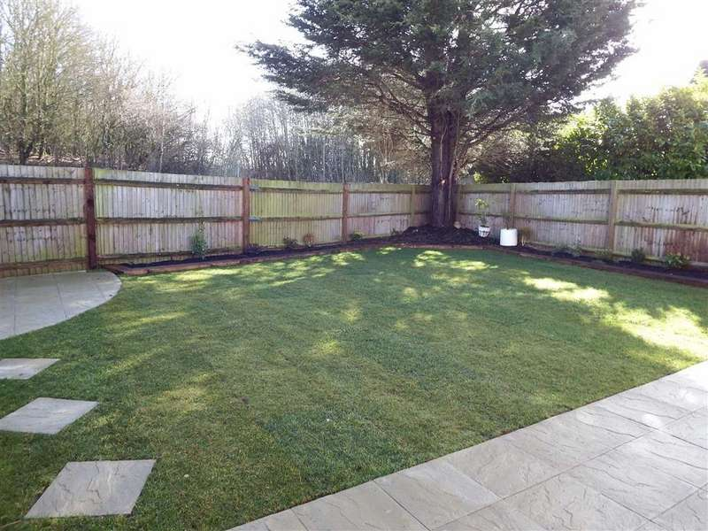 4 Bedrooms Detached House for sale in Chalkdown, Stevenage, Hertfordshire, SG2