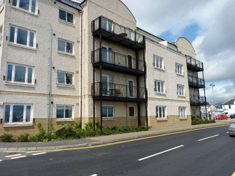 3 Bedrooms Flat for rent in Moir St, Dunoon, Argyll and Bute, PA23 8FJ