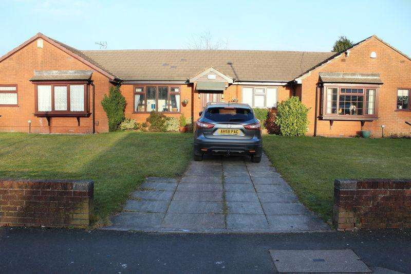 2 Bedrooms Bungalow for sale in Church Stile, Rochdale, OL16 1FF