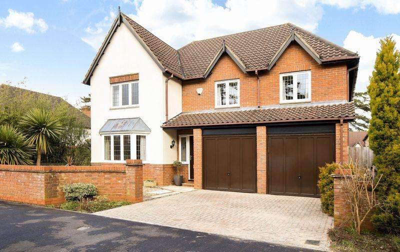 5 Bedrooms Detached House for sale in Parrys Grove, Bristol