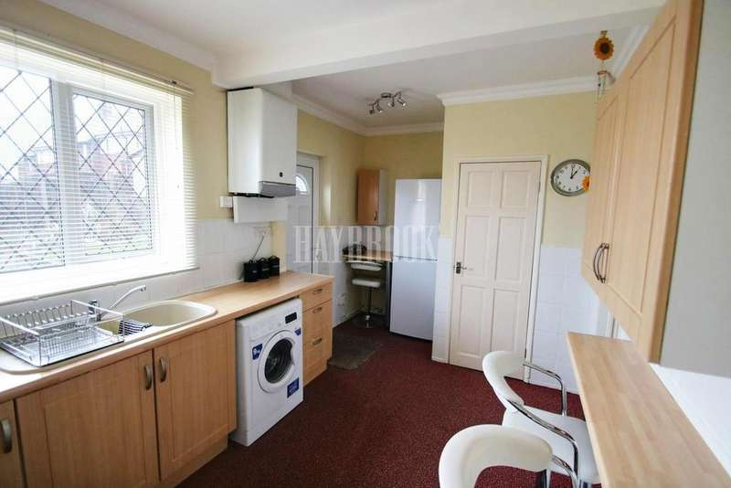 3 Bedrooms Semi Detached House for sale in Barrie Road