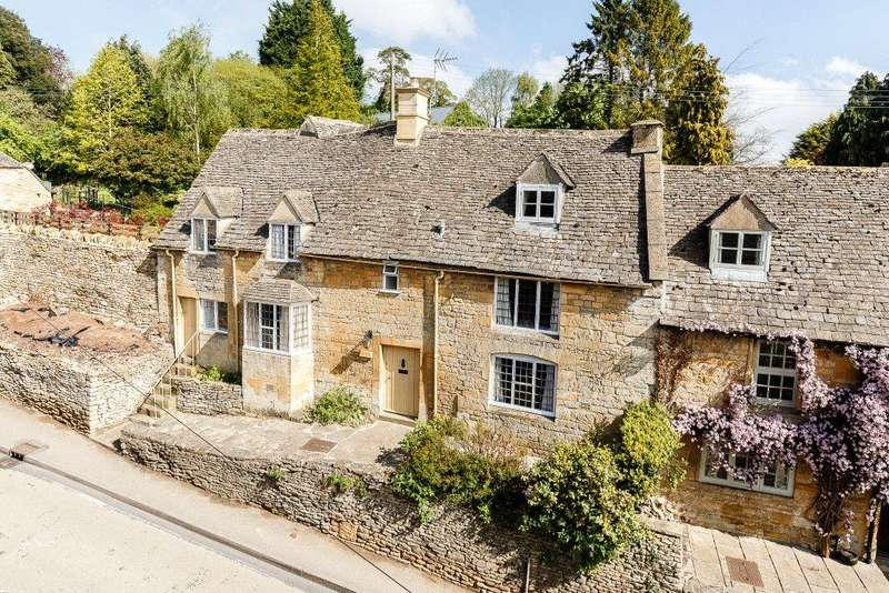 4 Bedrooms Semi Detached House for sale in Bourton on the Hill, Moreton-in-Marsh, Gloucestershire
