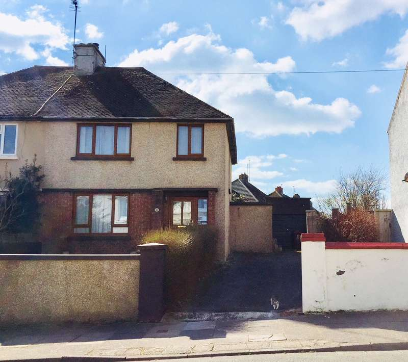 3 Bedrooms Semi Detached House for sale in Pill Road, Milford Haven, Pembrokeshire