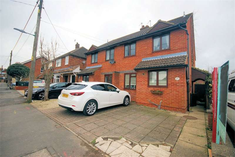 3 Bedrooms Detached House for sale in 2c Perry Street, Wendover, Buckinghamshire