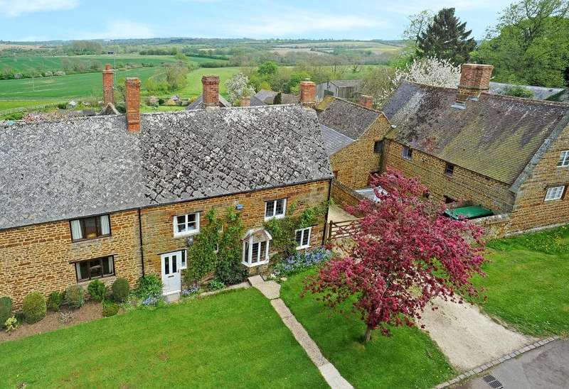 4 Bedrooms Semi Detached House for sale in The Green, Eydon, Daventry, Northamptonshire, NN11