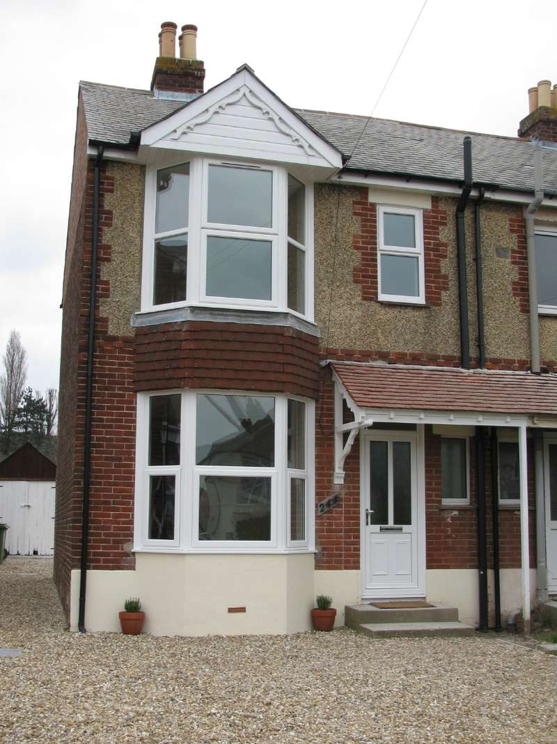3 Bedrooms Semi Detached House for rent in Southampton Road, Fareham