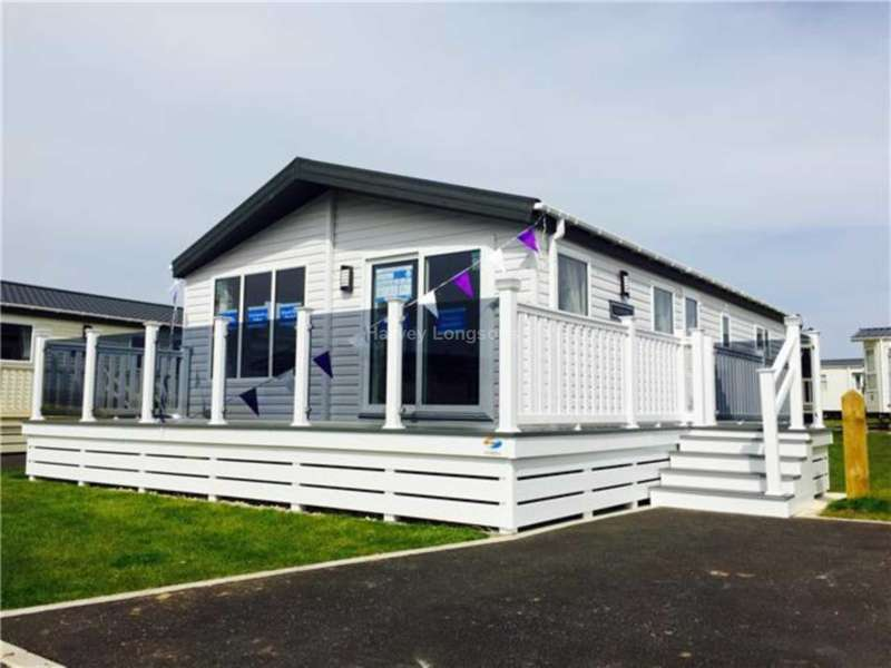 3 Bedrooms Lodge Character Property for sale in New Road, New Quay, South Wales