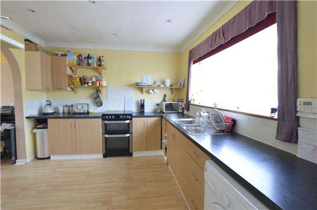 3 Bedrooms Semi Detached House for sale in Upper Broomgrove Road, HASTINGS, East Sussex, TN34 3PH