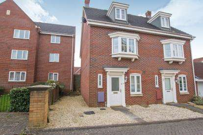 3 Bedrooms Semi Detached House for sale in Britton Gardens, Kingswood, Bristol