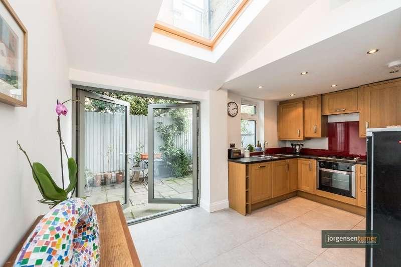 3 Bedrooms House for sale in Abdale Road, Shepherds Bush, London, W12 7EU